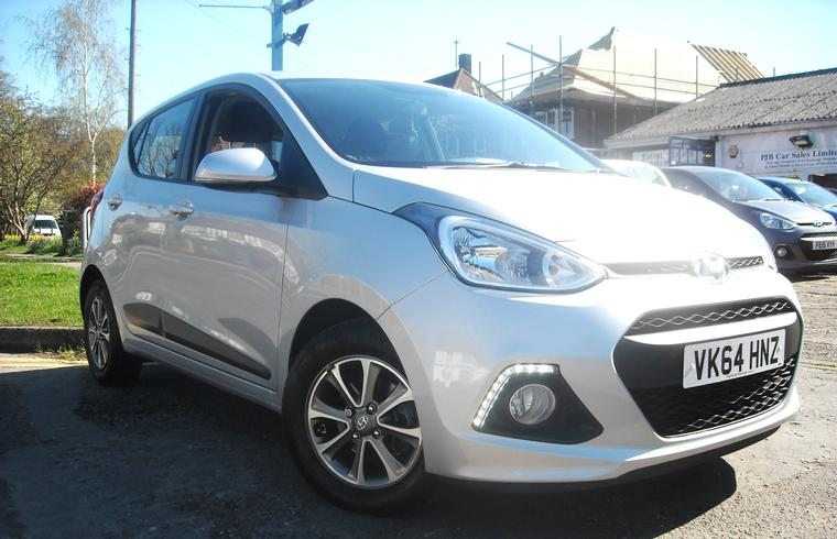 Hyundai i10 Premium 1.2 Automatic 2014 - New In!SOLD!