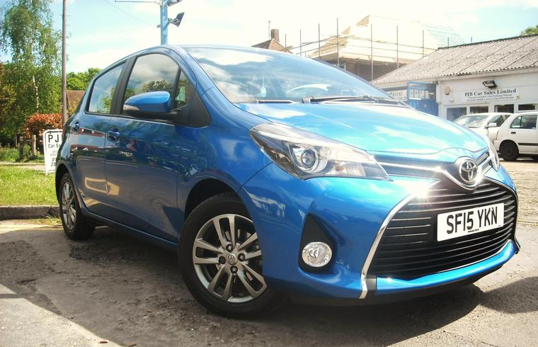 Toyota Yaris VVTi Icon 1.33 Hatchback Manual 2015